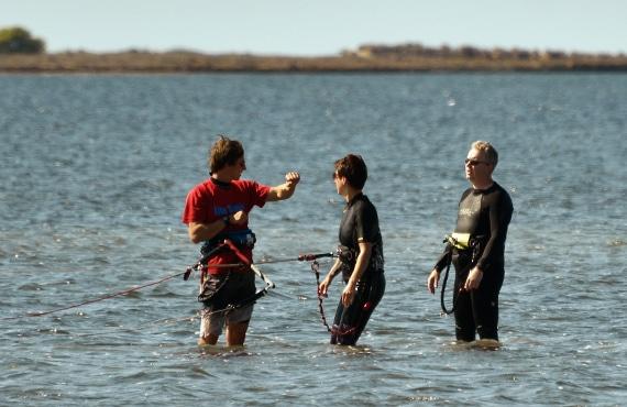 kitesurf-sicily-lo-stagnone-lagoon-beginner-lesson-slingshot-flow-kite-school