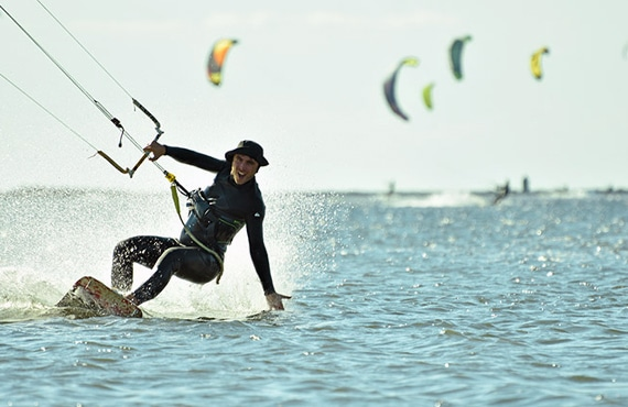 kitesurf-sicily-lo-stagnone-lagoon-lesson-rental-duotone-core-flow-kite-school