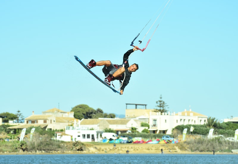 jump-grab-kitesurf-lo-stagnone-lagoon-lesson-rental-flow-kite-school-sicily