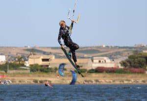 kitesurf-jump-lo-stagnone-lesson-rental-flow-kite-school-sicily