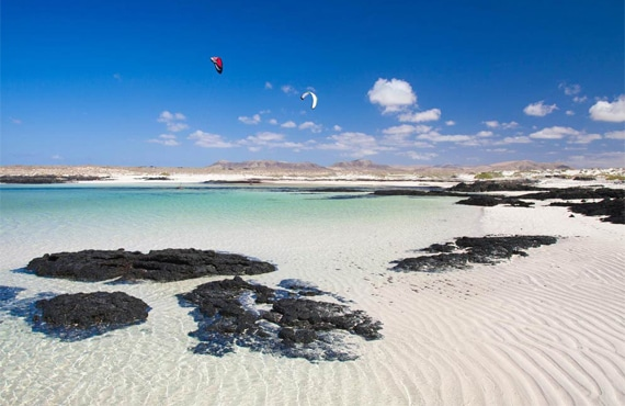 kitesurf-news-fuerteventura-winter-trip-flow-kite-school--lagoon