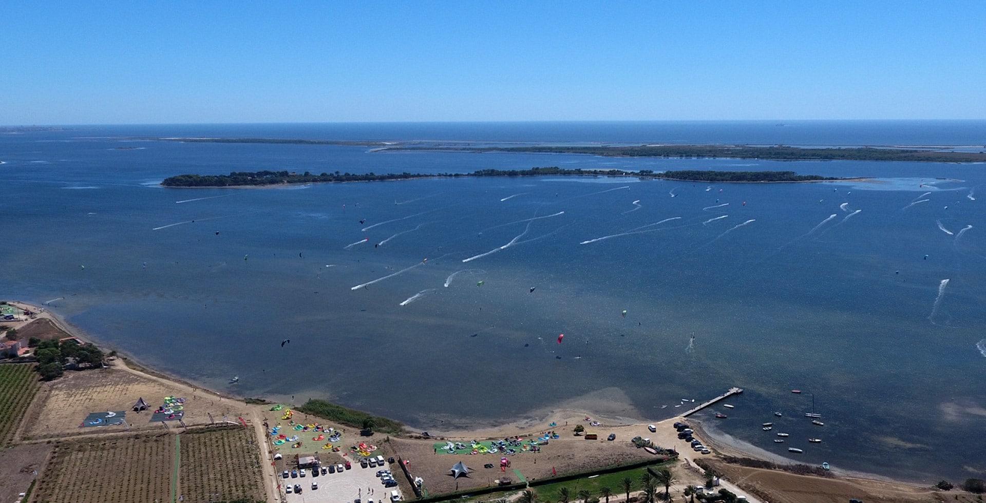 kitesurfen-Lo-Stagnone-lagune-Schule-Anfänger-Kurse-Unterkunft-Kitelagune-Marsala-north-duotone-ozone-Kiteboarding-Flow-Kiteschule-Siczilien-Kitecenter-Drohne