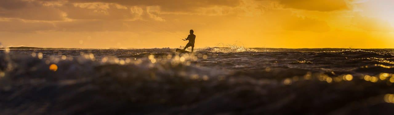 ozone-sunset-kites-2019-rental-test-dealer-shop-enduro-code-torque-edge-catalyst-contact-water-flow-kitesurf-school-sicily-stagnone-lagoon