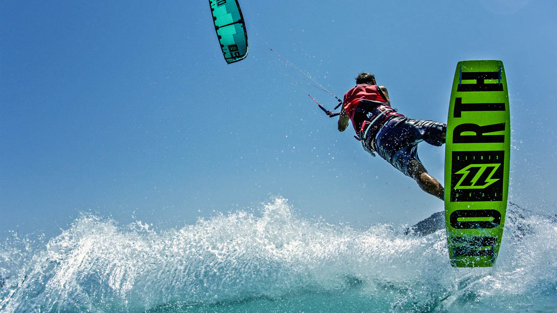 Kitesurf sicily with flow kite school in the lagoon of Lo Stagnone Marsala.
