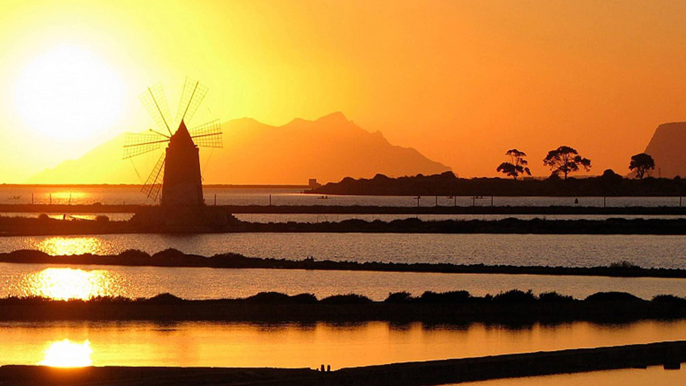 Lo-Stagnone-Lagoon-marsala-kitesurf-Sicily-Best-Spot-Kitesurfing-Sicilia-Flow-Kite-School-Cabrinha-duotone-kiteboarding-salina-sunset-trapani-salt