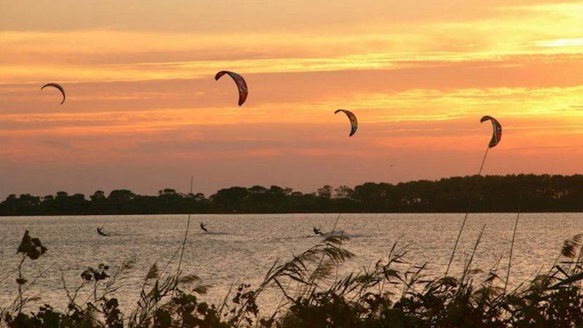 Lo-Stagnone-Lagune-marsala-kitesurf-Sicile-Best-Spot-Kitesurfing-Sicilia-Flow-Kite-School-Cabrinha-duotone-kiteboarding-sup-stand-up-paddle-board-sea-sunset-session