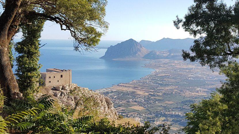 Lo-Stagnone-Lagune-Marsala-Kitesurf- Sicile-Best-Spot-Kitesurfing-Sizilia-Flow-Kite School-Cabrinha-Duoton-Kiteboard-Sup Standing-Paddle-Board-Holder-Loops-Sunset