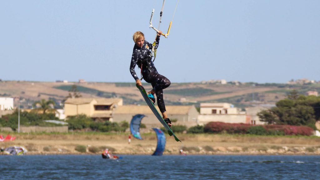Lo-Stagnone-Lagoon-marsala-kitesurf-Sicily-Best-Spot-Kitesurfing-Sicilia-Flow-Kite-School-Cabrinha-duotone-sup-stand-up-paddle-board-kiteboarding-basic-jump-grab